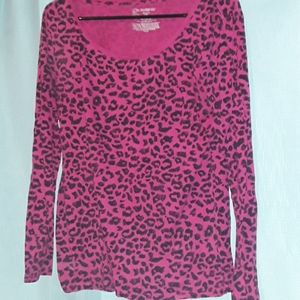 Cheetah print long-sleeved shirt